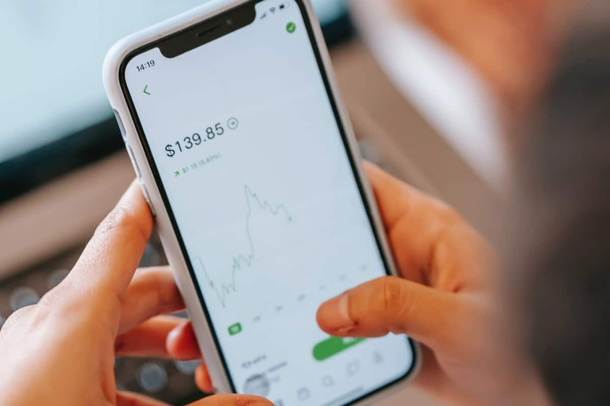 Investing in share platforms
